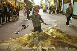Pinturas em 3D no chão com artista Julian Beever!