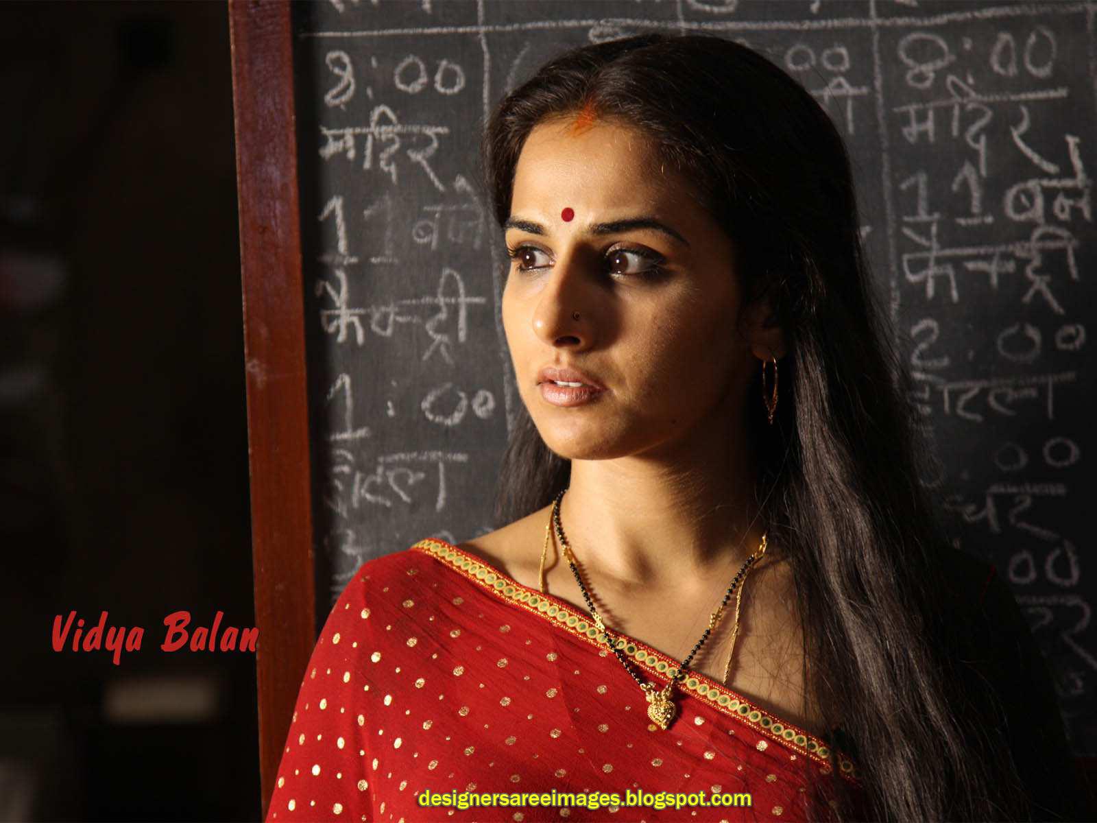 http://3.bp.blogspot.com/-5Ouh73UlfCE/Td_pbhD27eI/AAAAAAAAAMw/K3zFlqfGsmI/s1600/vidya-balan-bollywood-actress-in-sarees-photo_designersareeimages.blogspot.com_002.jpg