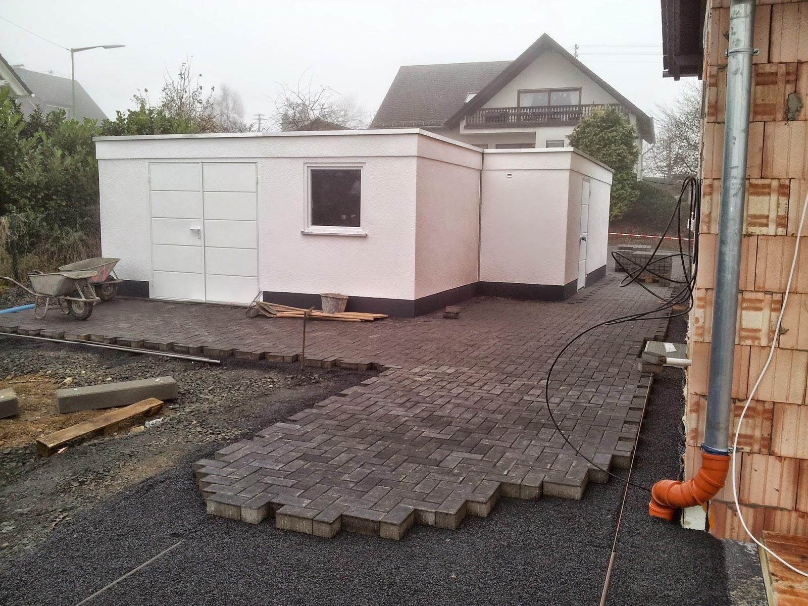 unser architektenhaus in ak garageneinfahrt gepflastert. Black Bedroom Furniture Sets. Home Design Ideas