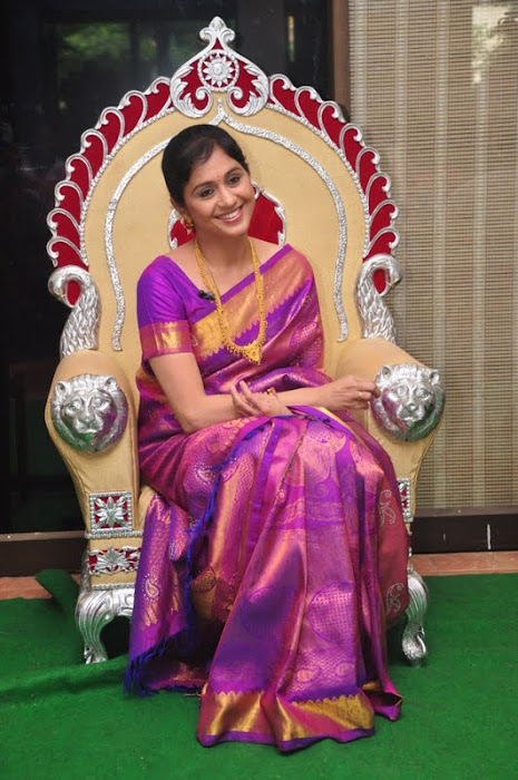 devayani new saree @ kodi mullai tv serial success meet cute stills