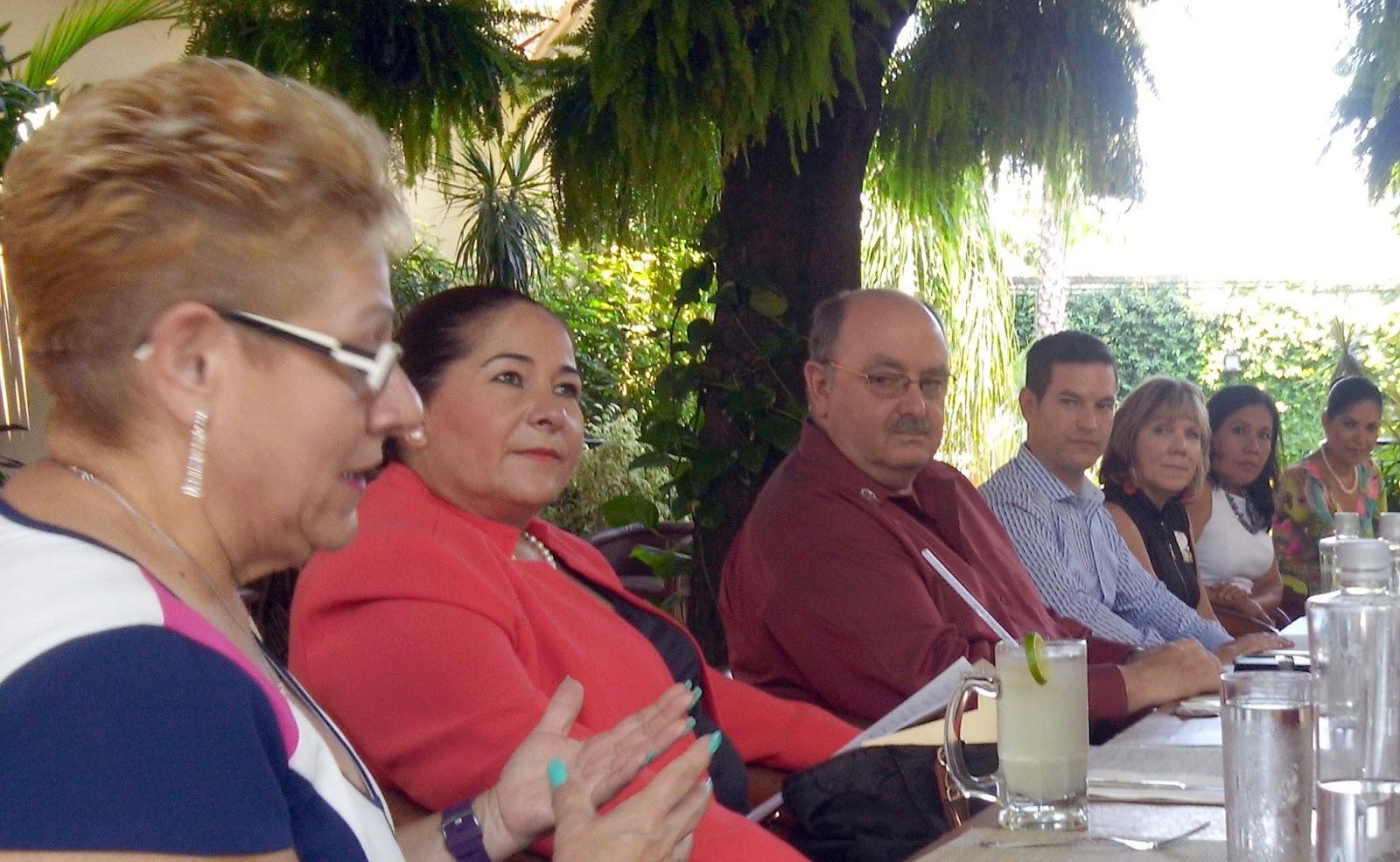 Club Rotario Tequila, A.C.: ROTARIOS DE CATHEDRAL CITY NOS VISITAN
