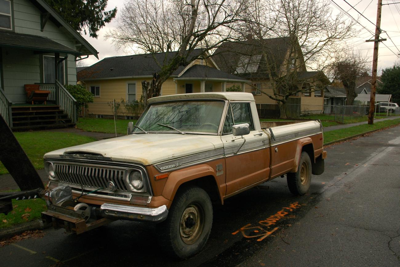1972 jeep j4000 pickup truck 1 jpg
