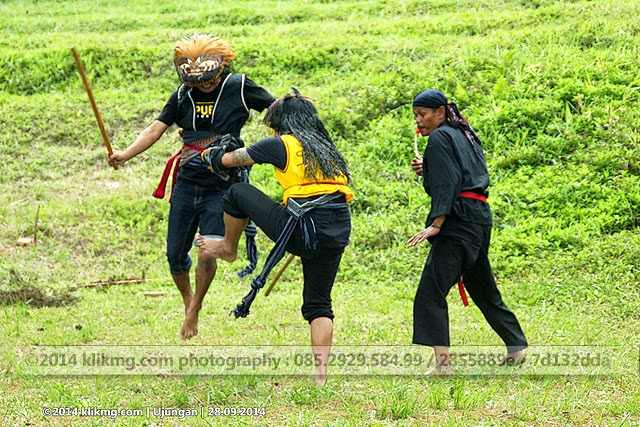 Ujungan - Permainan Tarung Rotan asal Gemelem Wetan, Susukan - Banjarnegara
