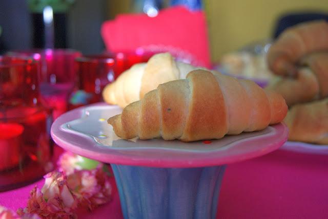 Najlepsze rogaliki, na II śniadanie, na piknik, domowe pieczywo, najlepsze rogale, domowe rogaliki, puszyste rogaliki