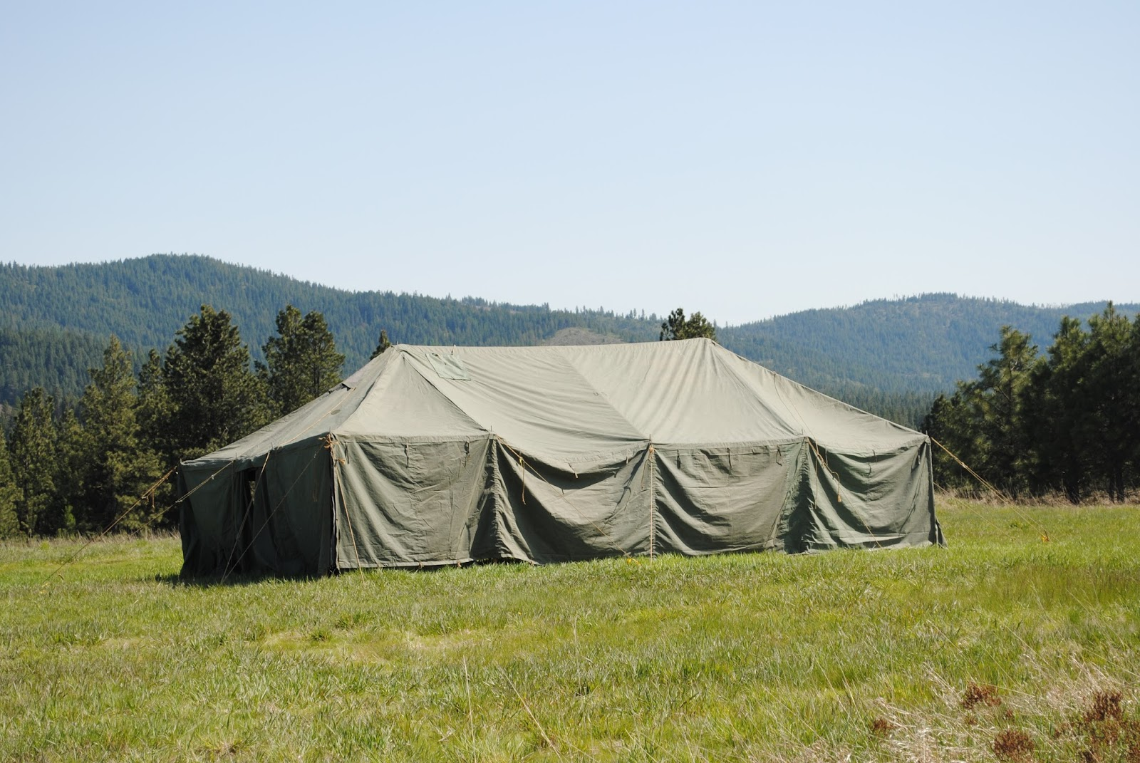 After borrowing a military tent to host our tea and skeet shoot Sir Knight and I knew that we wanted a tent of our own. We host numerous events every year ... & Paratus Familia Blog: Tent: GP Medium
