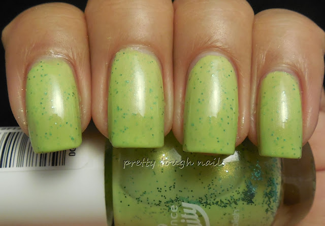 Essence Fruity One Kiwi A Day