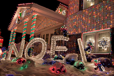 10 Outdoor Christmas Decoration with Lights Combination 4