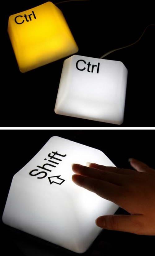 lampu unik yang dapat memproyeksikan perasaan teknologi. Lihatlah yang ...