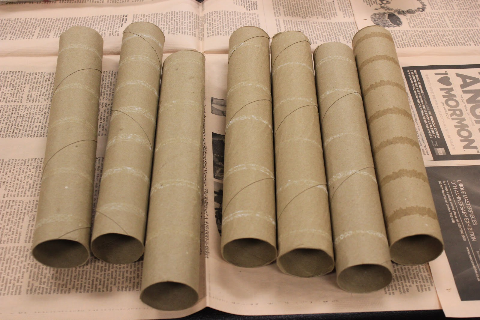 Teen blog frvpld transform paper towel rolls into for Paper roll projects