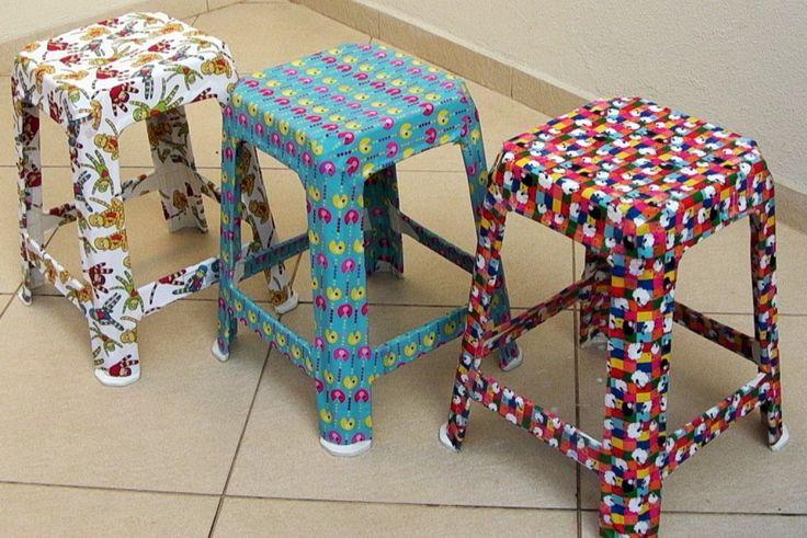 Bancos de plástico reutilize decorando