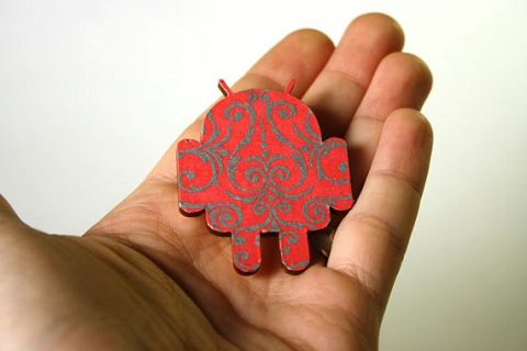 Android brooch
