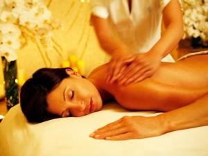 x10-1436532939-07-body-massage-600.jpg.p