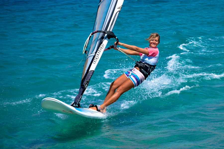 windsurfing vs surfing compare contrast What is the difference between windsurfing and surfing differences between windsurfing and surfing use a surfing wet for windsurfing it will be.
