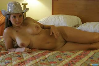 紧湿的猫 - rs-Way_Back_When________dawsonmiller_test_cowboy_hat_021-708483.jpg