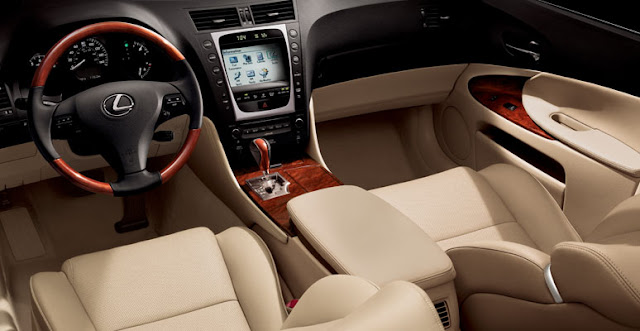 Interior shot of 2011 Lexus GS350