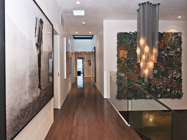 Picture of the hallway on the upper floor of guest house