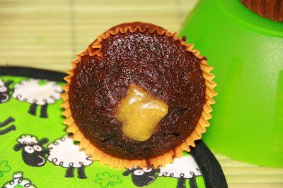 Recepta de cupcake de xocolata farcit de crema de taronja