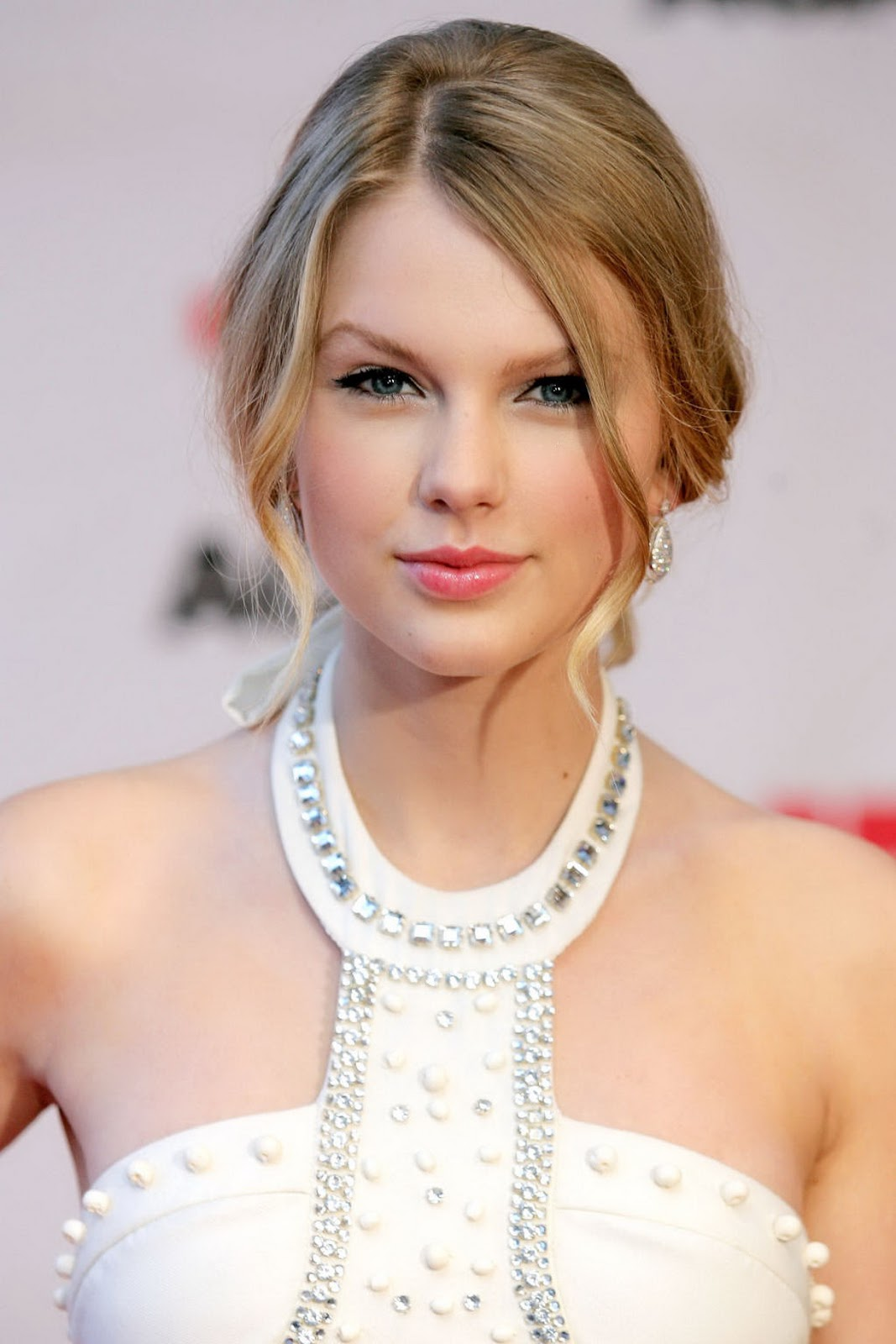 best style hairpunky: taylor swift beauty girls cute curly hairstyles