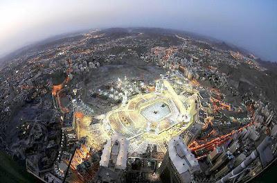 KUMPULAN GAMBAR MASJIDIL HARAM DARI LUAR ANGKASA Foto Masjidil Haram Masjid Terbesar di Mekkah