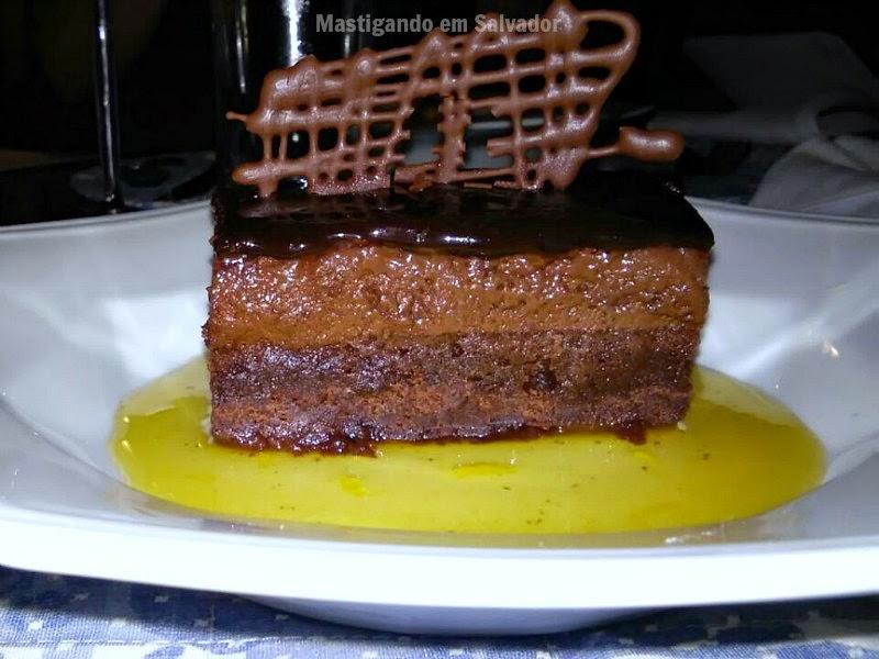 Aldrava - Cozinha de Raiz: Bolinho Mousse de Chocolate e Mel de Cacau Cítrico