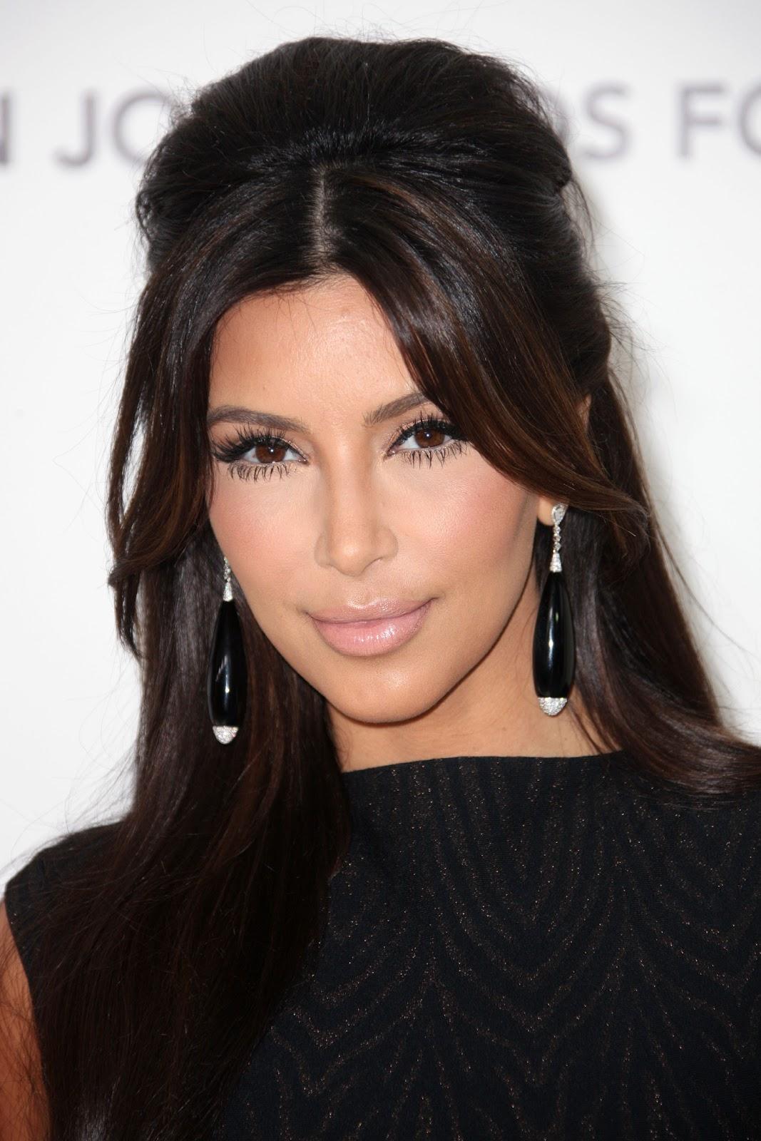 kim kardashian elton john oscar party 0229 4 Retirement Communities