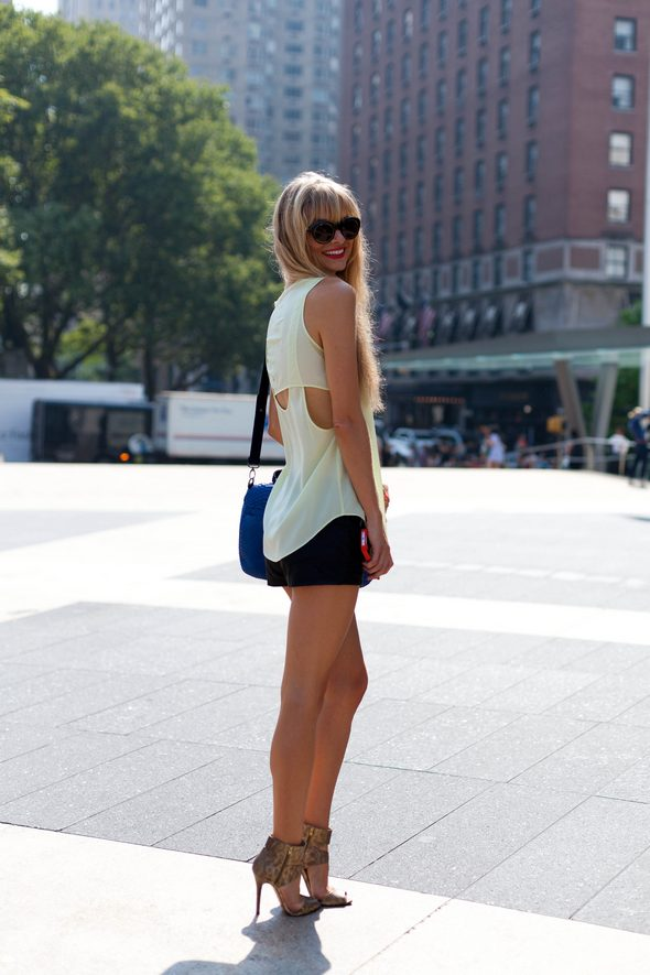 new york fashion week, street style new york, spring 2014, mbfw, nyfw, street street, natalie decleve, fashion bloggers, bloundes, red lips, open back blouse, shorts, womens fashion