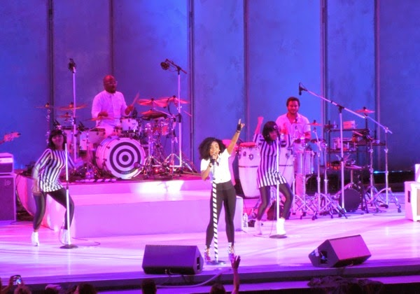 Janelle Monáe sings Hollywood Bowl 2014