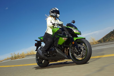 2011 Kawasaki Z1000 First Ride