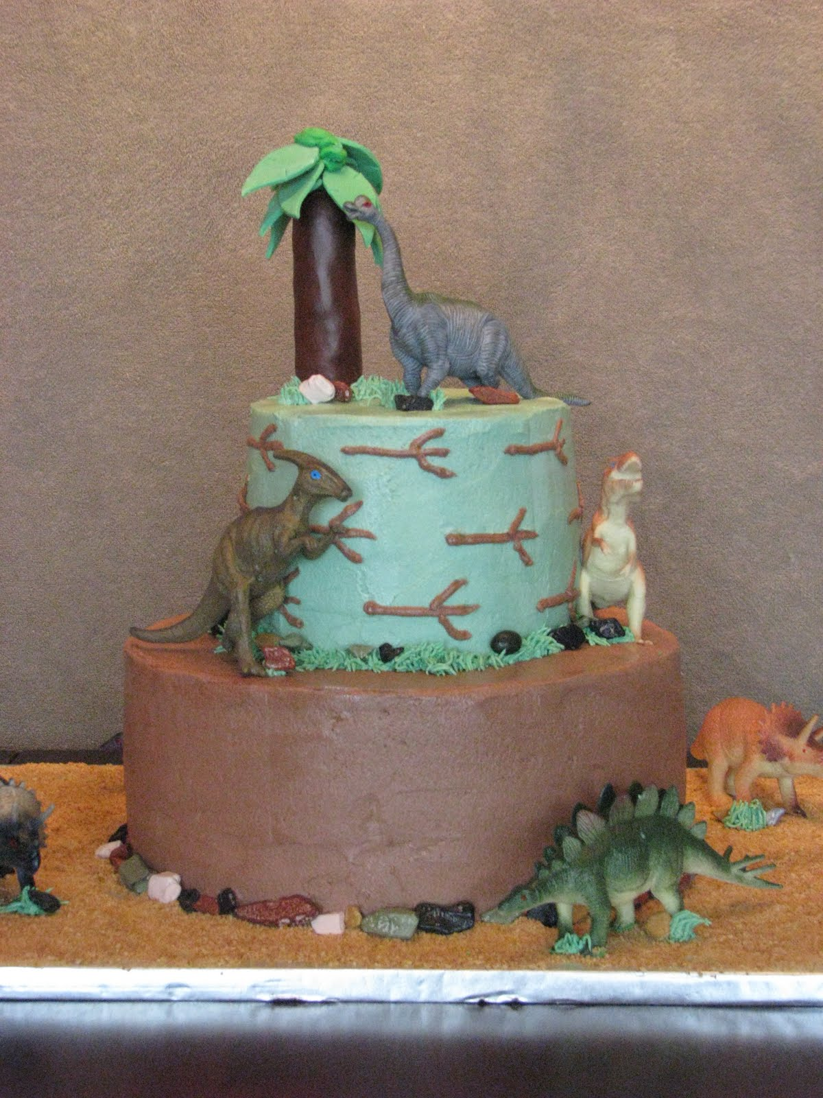 Dinosaur Cake Recipes Pictures : Bake me a Cake!: Dinosaur Birthday Cake