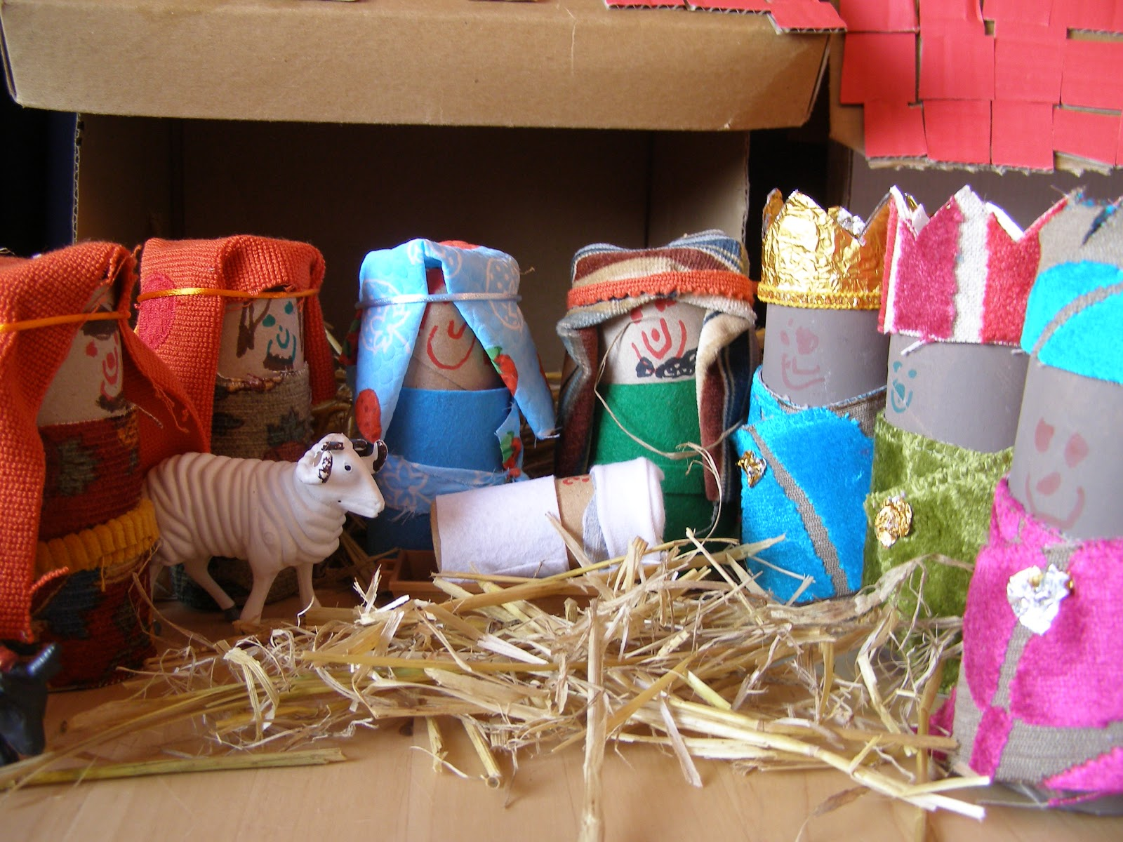 Create With Your Hands Cardboard Box And Toilet Roll