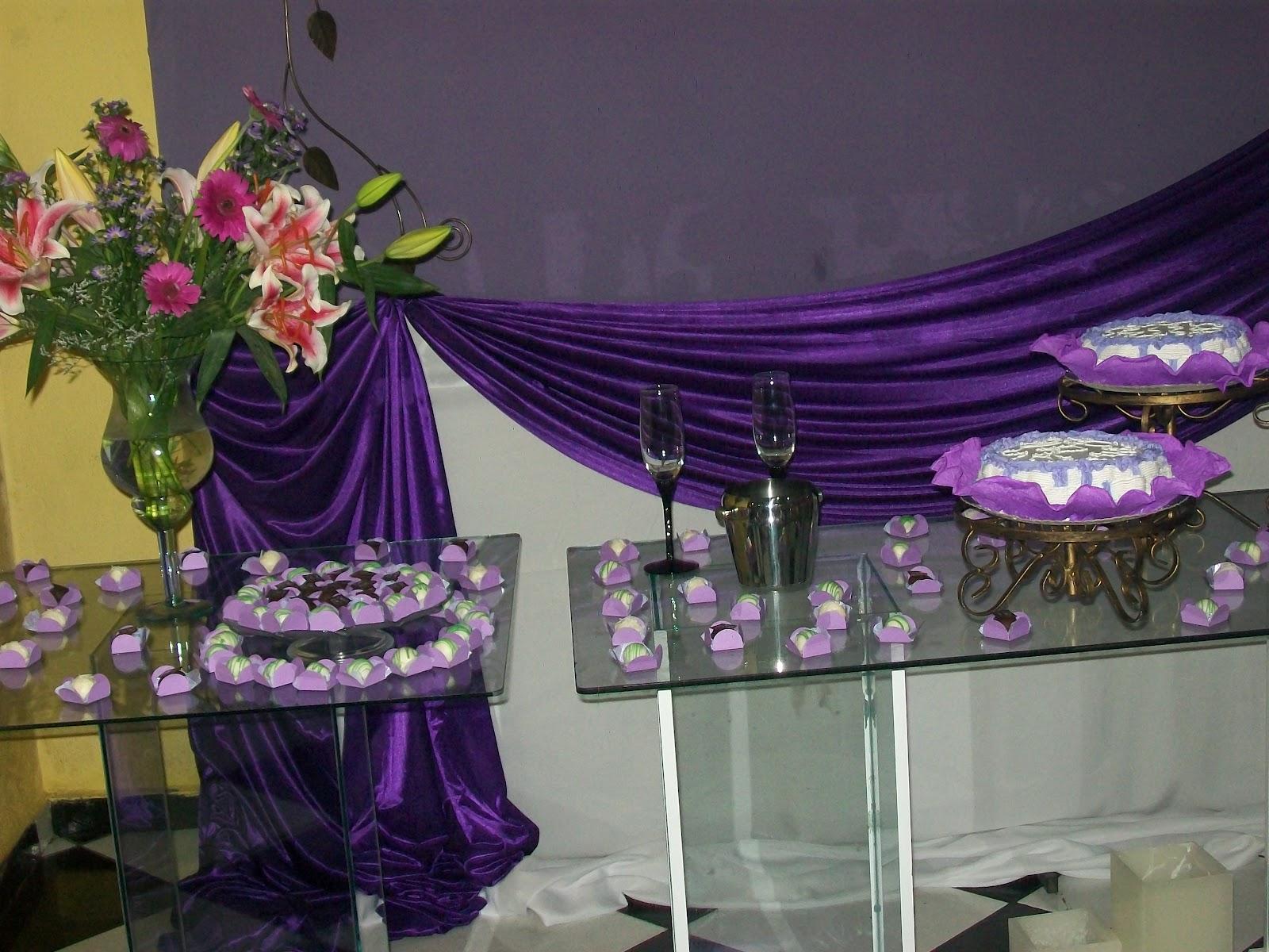 Buffet Pareaki Decoração lilas com Roxo