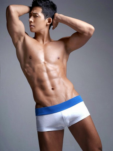 http://gayasiancollection.com/hot-asian-hunks-hot-underwear-model/