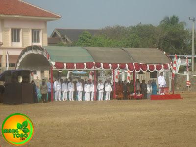 Sedangkan pembina upacaranya bapak Camat Pagaden Barat.