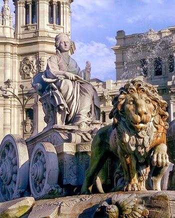 estatua fuente cibeles madrid