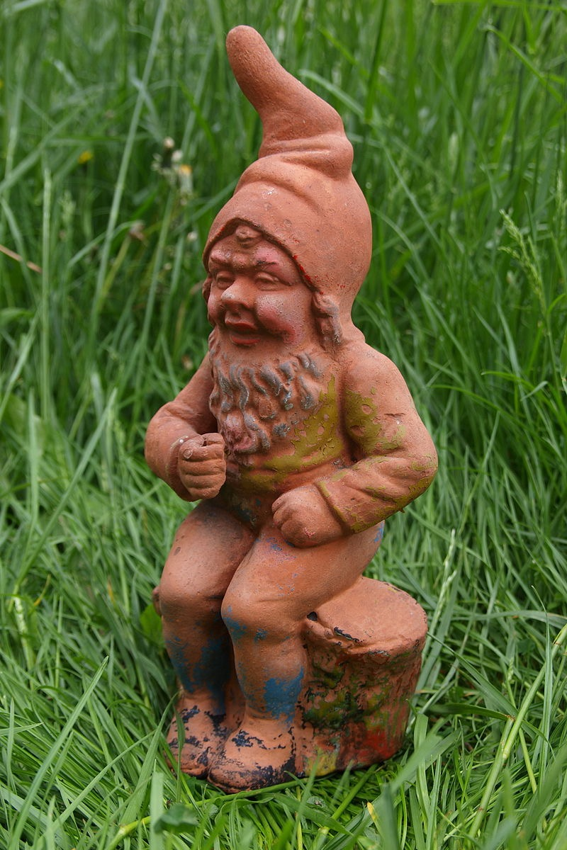 Naked lawn gnome porno pictures