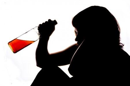 Alkohol Lebih Berbahaya Bagi Wanita