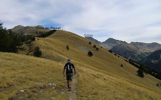 The gentle trail ascending to Cime du Pisset Gélas in background