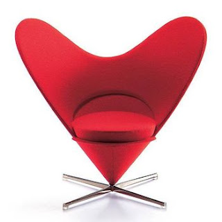 Heart ArmChair Wallpapers
