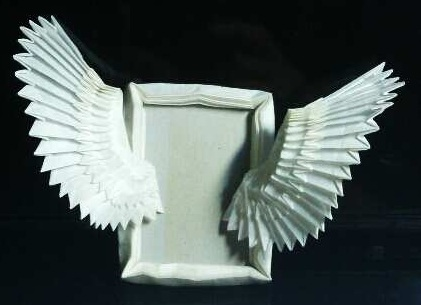 Lovely Picture Frame Folded By Using Only Paper Sneak Peak At This Origami Angel Wings
