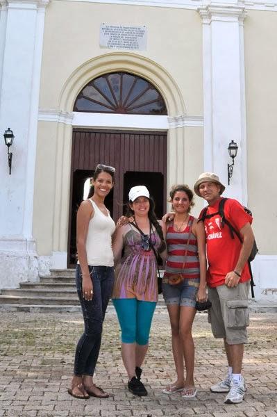 Con mi esposa y dos amigas en una excursion atrevida