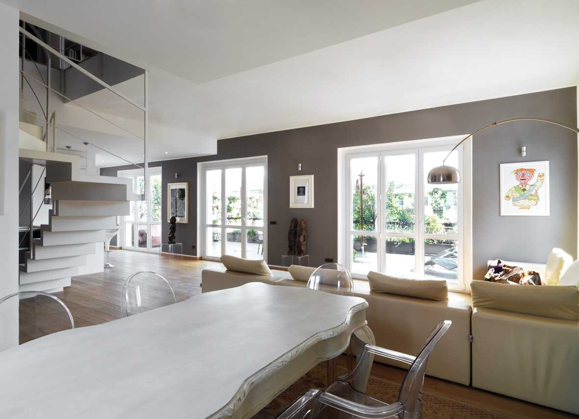 Open space minimalista restyling appartamento anni 39 50 for Open space moderni