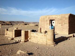 رحلة فراشة الآحلام إلى محافظة أسوان Temple_amenophis3_19