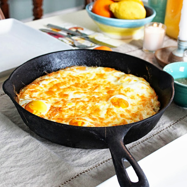 Baked Eggs with Hashbrown Crust