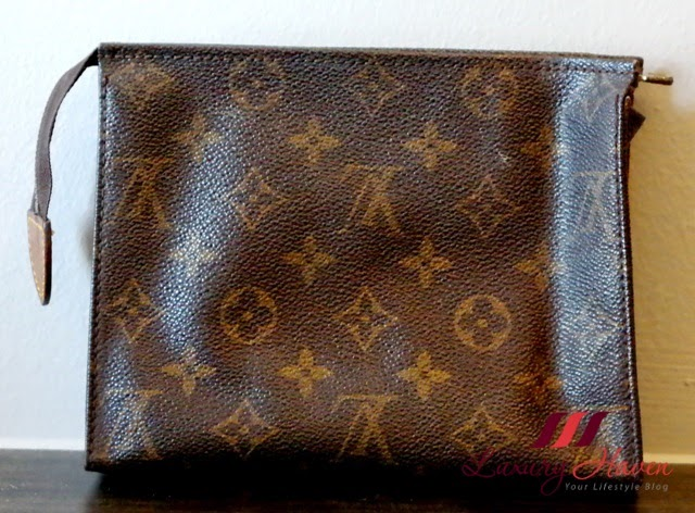 louis vuitton mono toilette bag review
