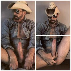 Cowboy barbudo de óculos