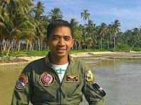 Pilot Sandy lulusan Terbaik Angakatan 97
