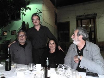 Amb el 'Pepito', Teresa, i Manolo al sopar de Massarojos  (Fotografia: Francesc Arnau i Chinchilla)
