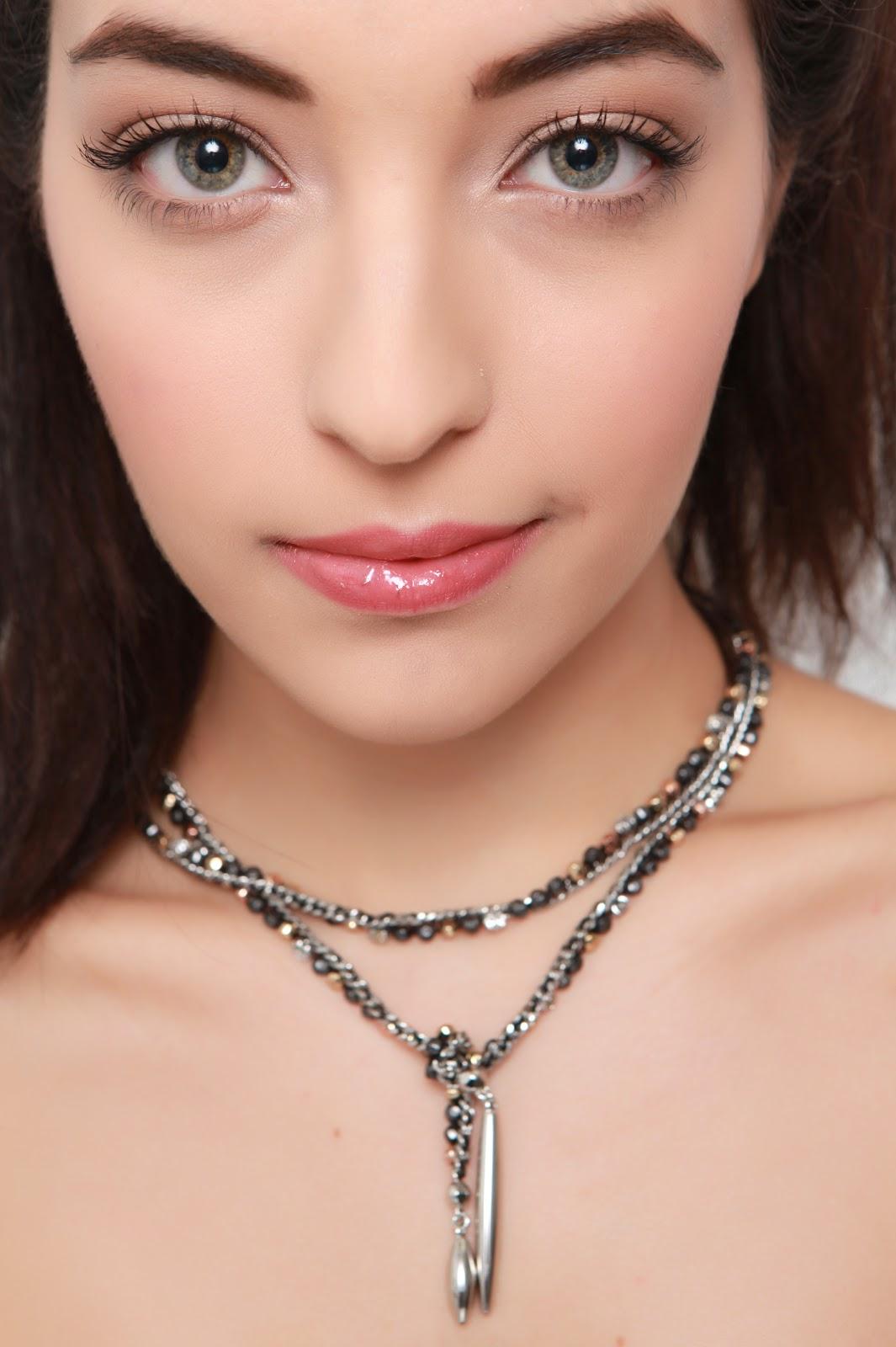 http://3.bp.blogspot.com/-5Vz9SfZWBB4/T2IzazOXNII/AAAAAAAABrY/1WMJ8hX2D2s/s1600/stephanie_beauty_-1747228324-O.jpg