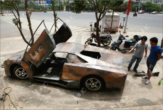 http://3.bp.blogspot.com/-5W4KAkMJn_U/TdI1V2bJoCI/AAAAAAAAIak/TVtMMOOyfCM/s1600/Lamborghini-Reventon3-550x371.jpg