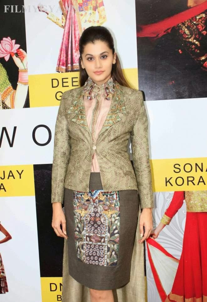 taapsee pannu latest spicy photos